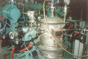 Vacuum unit with hot steam cooling